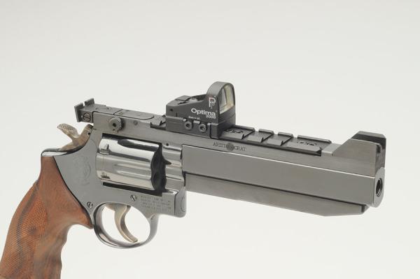 ARISTOCRAT f. Revolver 6'' m.WEAVER