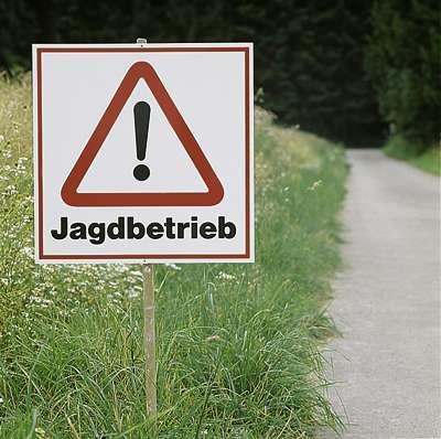 Diverse Warnschild -JAGDBETRIEB-